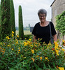 Borgo San Donino, Suzanne and flowers