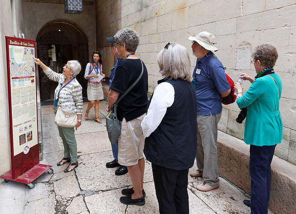 Verona;  Marta and group going into St. Zeno