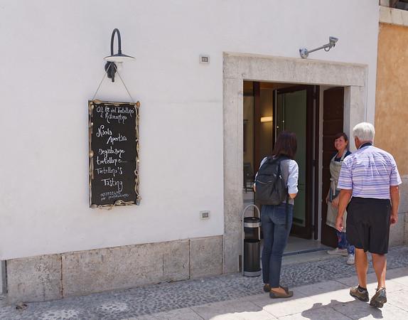 Valeggio, Al Re del Tortellino; just opened by a young couple, the Bignottis