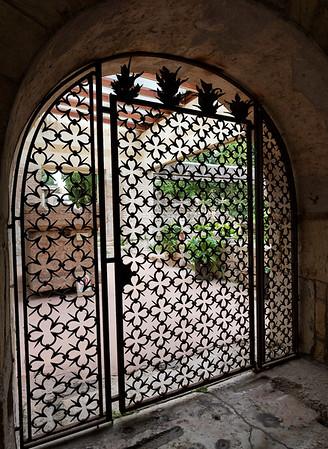 Verona St. Zeno;  highly figured gate