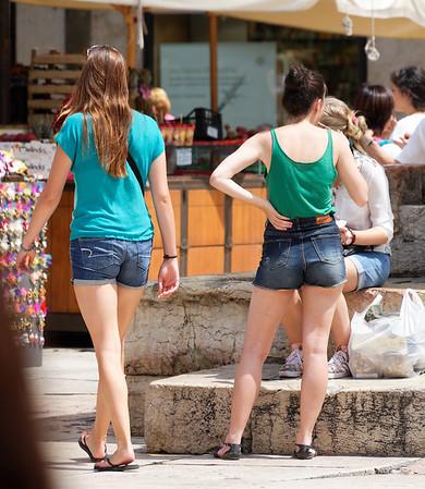 Verona: cute girls