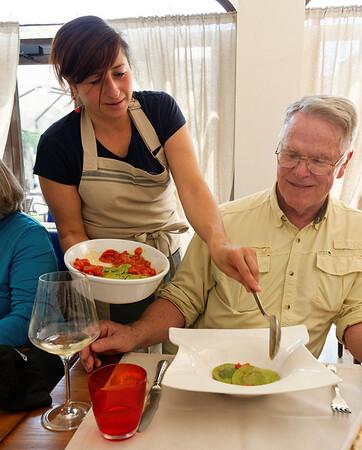 Valeggio, Al Re del Tortellino; Loredana serves Roy one of four different pastas