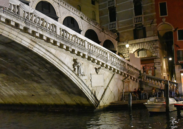 Venice; night cruise by water bus, Rialto bridge
