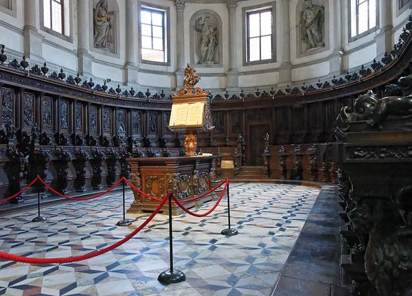 Venice; San Giorgio Maggiore, note 3-D tile