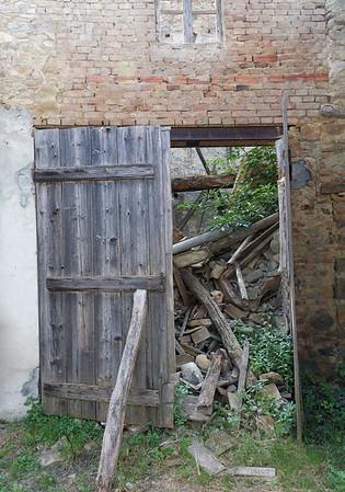Mondo Antico, Gaminara, building in ruins