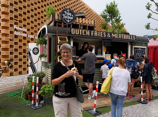 Expo Milano 2015:  Great fries with mayo! Poland in the background