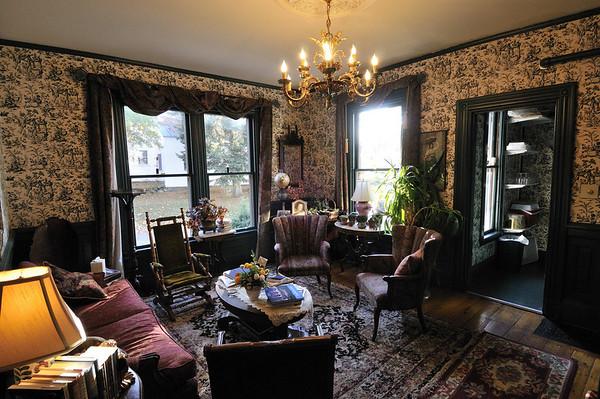 sitting room, the Victoria, Bethel, ME