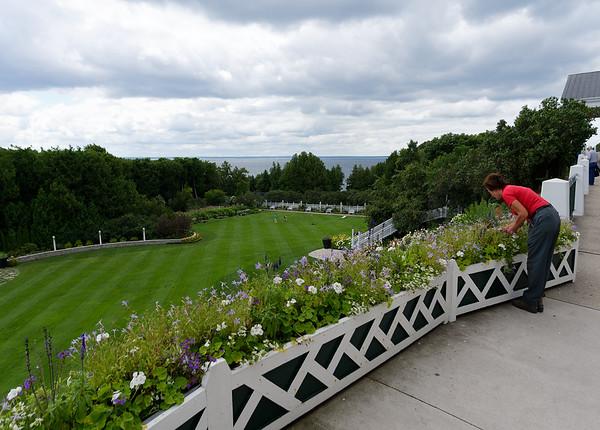 Mackinac Island, Grand Hotel porch gardener