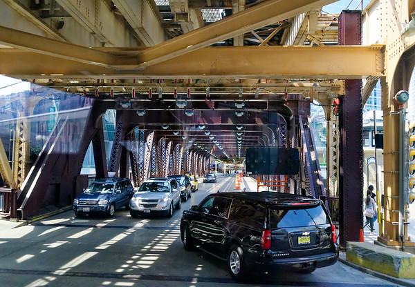 Chicago tour, Lake Street bridge