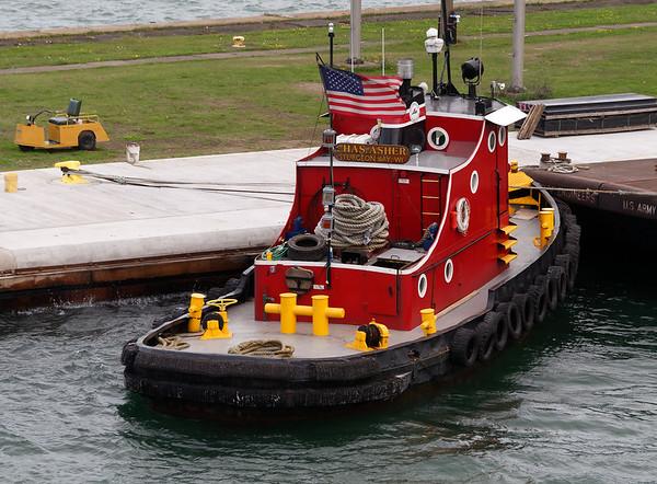 Sault Ste. Marie locks, small tugboat