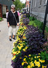 Niagara-on-the-Lake Ontario, Suzanne and flowers