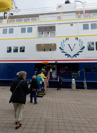 Sault Ste. Marie, reboarding the Victory I