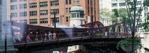 Chicago tour, iron bridge
