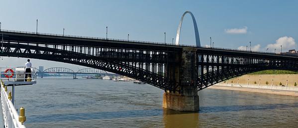 St. Lois MO, Eads Bridge and the Gateway Arch