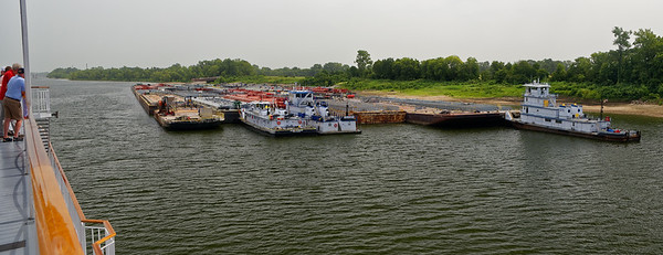 Barge traffic near Greenville MS