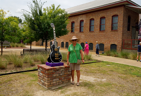 Indianola MS - BB King Museum, Suzanne