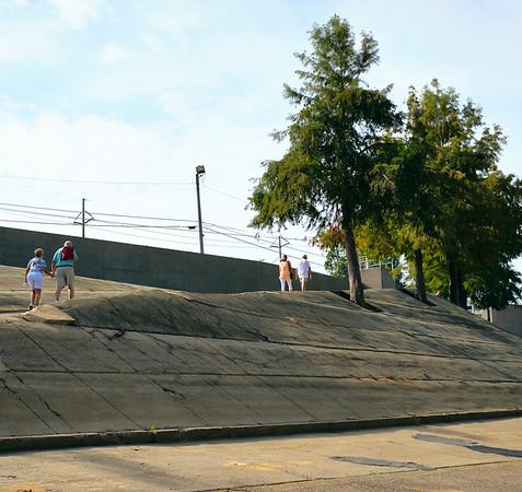 Vicksburg - steep approach