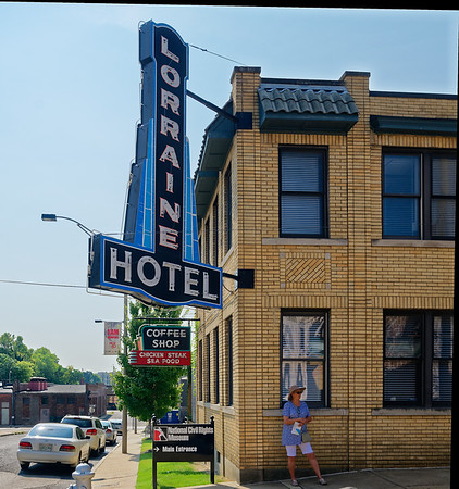 Memphis TN - the Lorraine sign before it became a motel