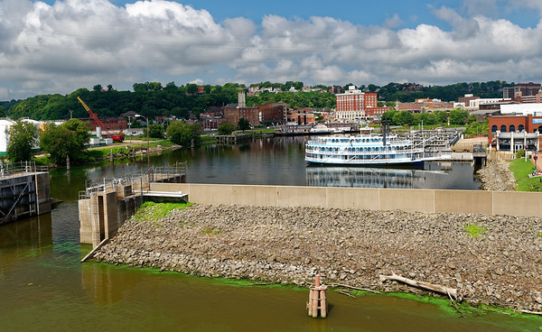 Dubuque, smaller steamboat