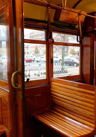 Memphis TN Beale Street – Gomaco replica 453 trolley car