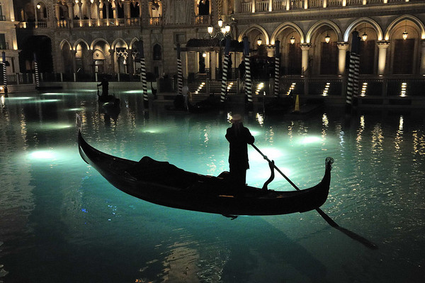 gondolas, the Venetian