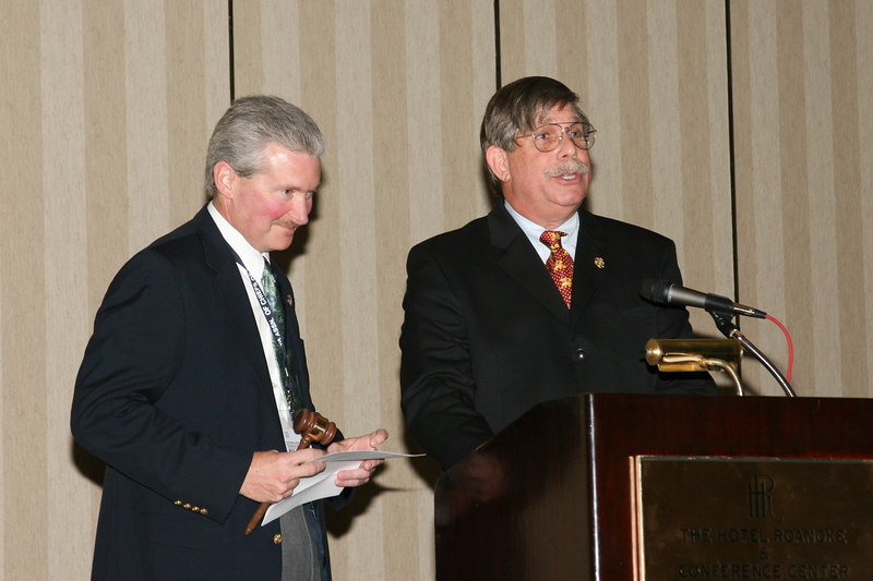<b>IMG_43401</b><br>Passing of the gavel to the 2006-2007 VACP President, Chief J. Michael Yost, Williamsburg Police Department