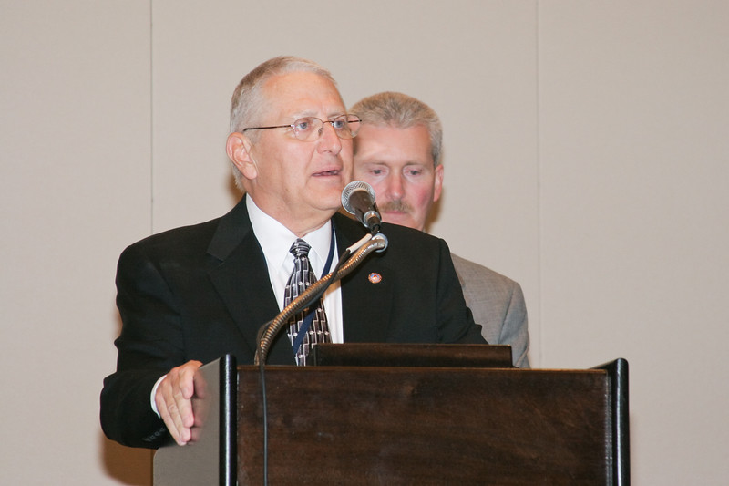 <b>IMG_70381</b><br>Mr. Lex Eckenrode, CEO of the Virginia Police Chiefs Foundation, was honored with the 2007 VACP President's Award from 2006-2007 President Chief Mike Yost (Williamsburg)