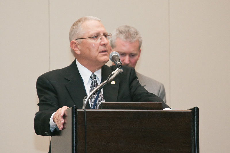 <b>IMG_70383</b><br>Mr. Lex Eckenrode, CEO of the Virginia Police Chiefs Foundation, was honored with the 2007 VACP President's Award from 2006-2007 President Chief Mike Yost (Williamsburg)