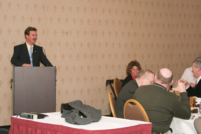 <b>IMG_55028</b><br>IACP 4th Vice President & VACP Board Member Chief Mark Marshall (Smithfield) speaks to the members at the Monday night banquet.