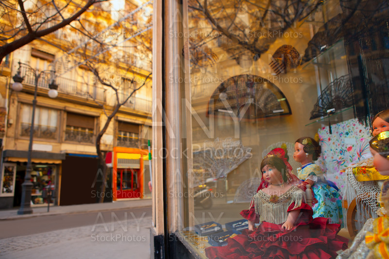 Valencia Calle san Vicente with Falleras dolls and spanish fan