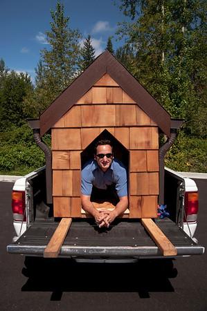 Doggiestock promo-Mark in his doghouse-North Bend, WA 8-20-2010