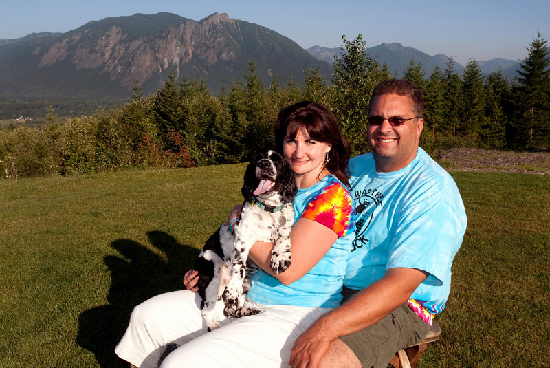 Tucker, Maggie & John - Snoqualmie Point Park<br /> Doggiestock '09