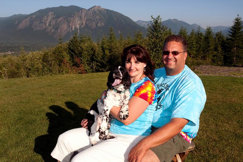 Tucker, Maggie & John - Snoqualmie Point Park<br /> Doggiestock '09