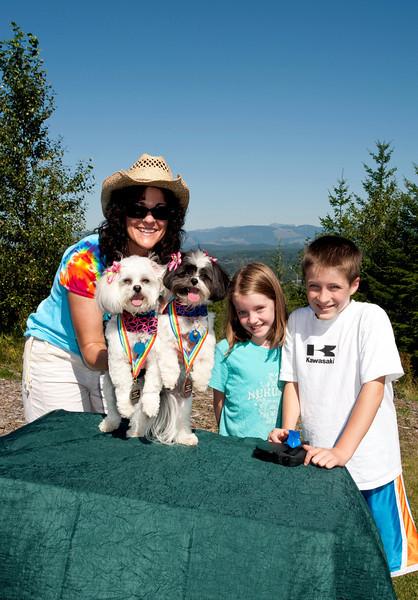 Jody, Molly, Winnie & kids with Peanut Butter Lickin' medals