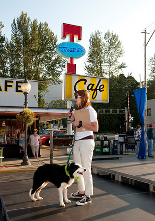 Janet & Scottie on stage-emceeing VAP canine costume contest-North Bend Block Party, WA 6-2009