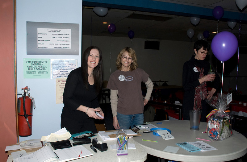 Brenna & Andrea @ check-in table-VAP Spay-ghetti dinner @ Eagles-Snoqualmie, WA 2-28-2009