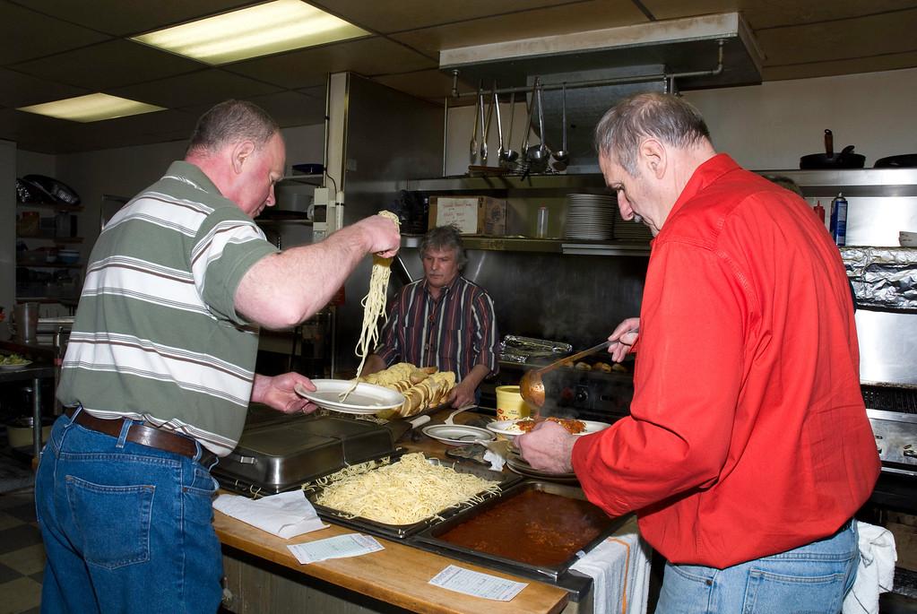 Spayghetti chefs of the Eagle Hall-VAP dinner & dessert auction-Snoqualmie, WA 2-28-2009