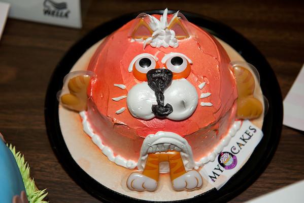 kitty-cat cake @ VAP dessert auction-Snoqualmie, WA 10-15-2011