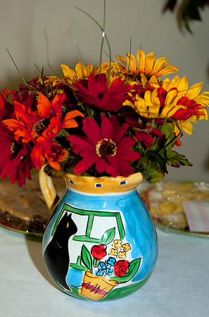 cat flower vase @ VAP dessert auction-Snoqualmie, WA 10-15-2011
