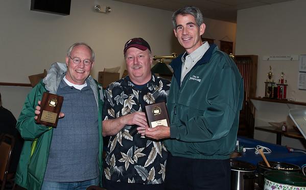 Fritz Ribary, auctioneer Craig Bennett, & Snoqualmie Mayor Matt Larson @ VAP chili cook-off 10-15-2011
