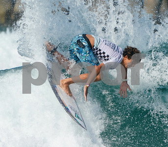 VAN'S US OPEN SURF CONTEST HUNTINGTON BEACH