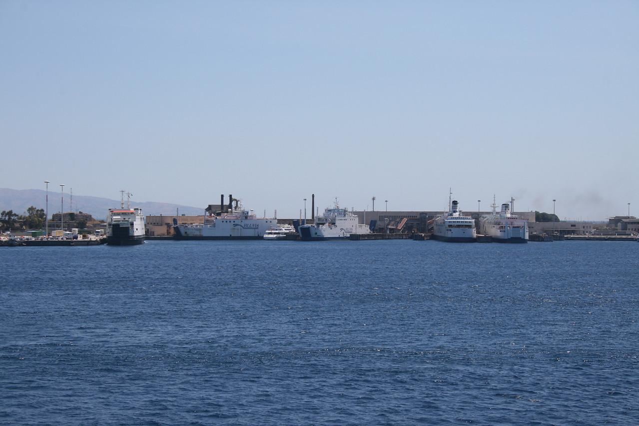 2010 - Bluvia terminal at the port of Messina. The ships are AMEDEO MATACENA, MONGIBELLO, SELINUNTE JET, REGGIO, ROSALIA and VILLA.