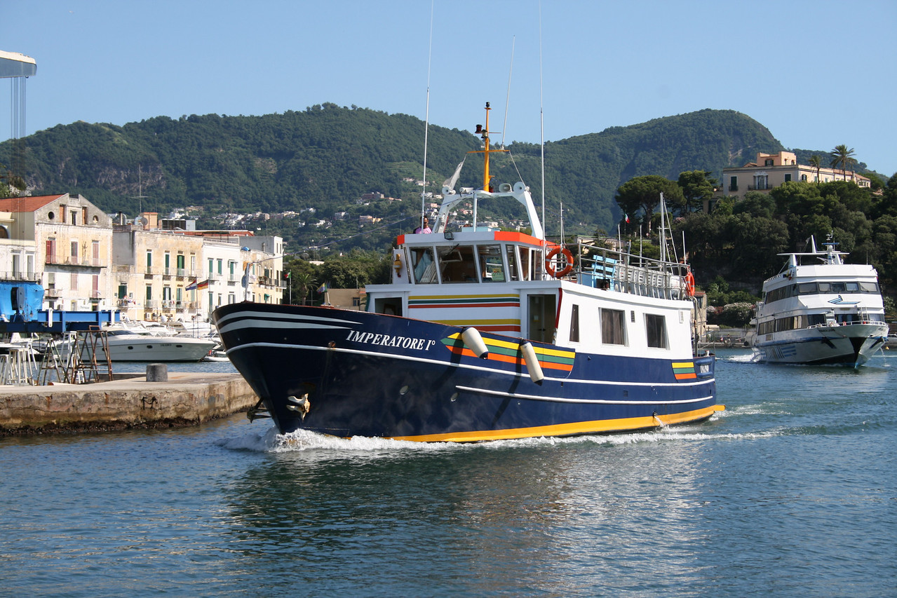 2008 - M/V IMPERATORE I° : excursions around Ischia.