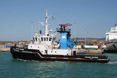 2011 - TRAIANO SECONDO operating in Civitavecchia.