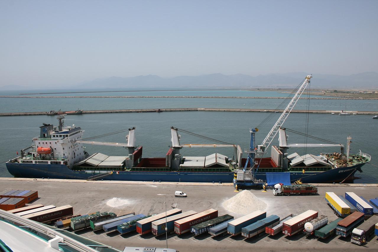 2010 - M/S ULUSOY-8 freighting in Cagliari.