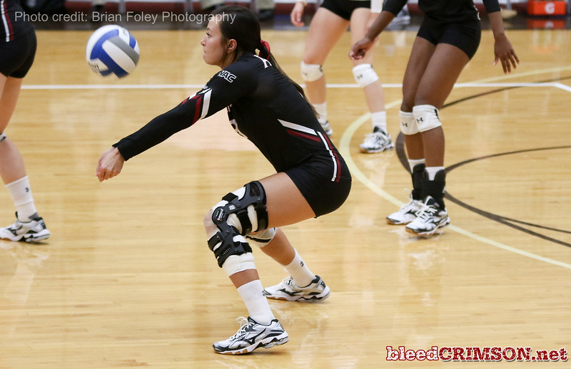 New Mexico St. outside hitter Jordan Abalos (3)