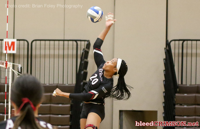 New Mexico St. middle hitter Sasha-Lee Thomas (20)
