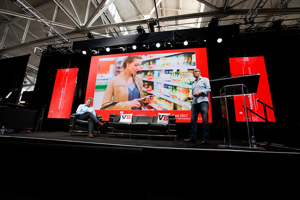 "#MB2017 @VentureBeat @ldesegur @BeeZee	 Lightning Talk: ""How shopping giant Walmart uses AI to bridge online and offline worlds"" with Laurent Desegur, VP of Customer Experience, WalmartLabs and Blaise Zerega, Editor in Chief, VentureBeat"