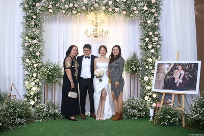 Vy-Cuong-wedding-instant-print-photo-booth-in-Bien-Hoa-Chup-hinh-lay-lien-Tiec-cuoi-tai-Bien-Hoa-WefieBox-Photobooth-Vietnam-115