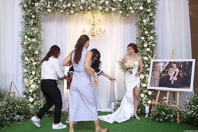 Vy-Cuong-wedding-instant-print-photo-booth-in-Bien-Hoa-Chup-hinh-lay-lien-Tiec-cuoi-tai-Bien-Hoa-WefieBox-Photobooth-Vietnam-129